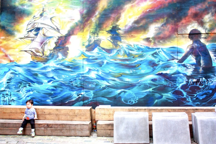 Jessica-Nicole-Griffiths-Jessicas-Wanderlust-London-Street-Art-Shoreditch-child-sea
